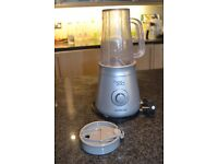 Smoothie maker / Blender with two cups