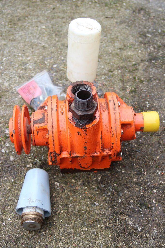 Gascoigne Melotte vacuum pump