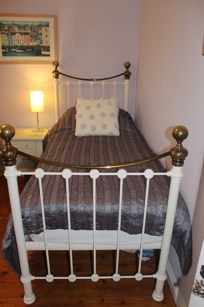 Perfect romantic single bed for child, teenager or adult. Good quality, hardly used.