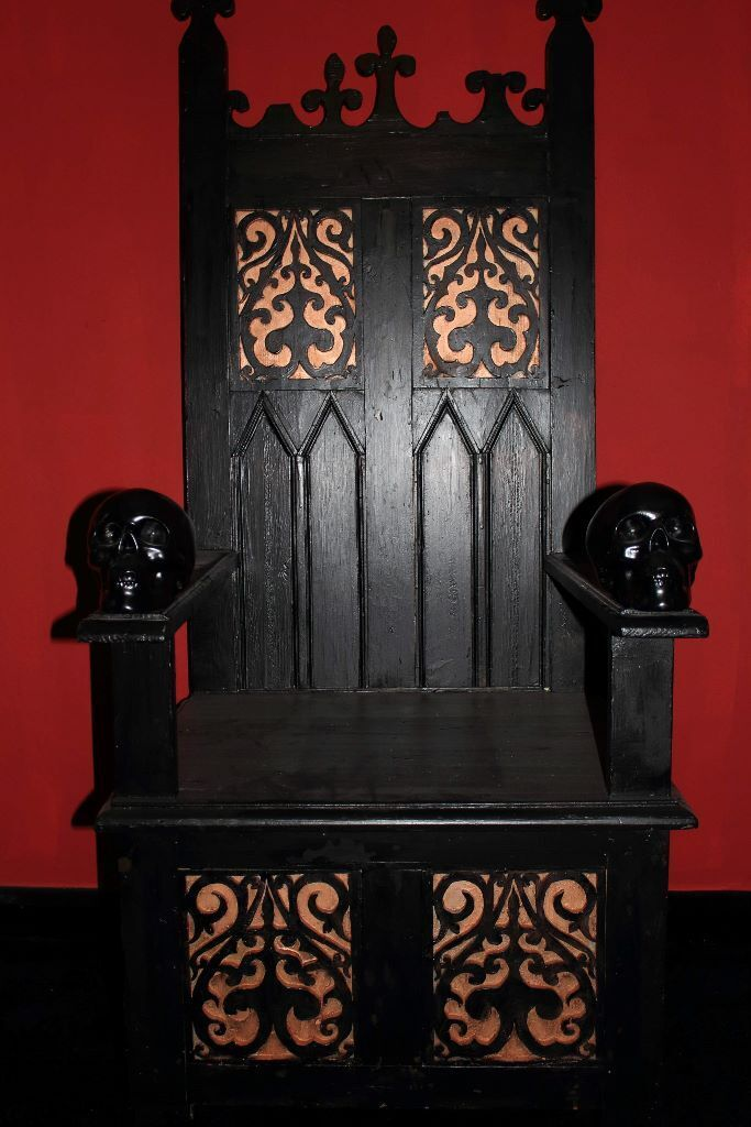 Large Black Custom Made Throne Gothic Royal Tattoo King Dungeon Chair
