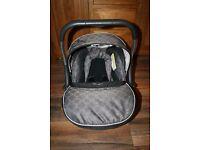 Silver Cross Ventura infant baby car seat - Green Circles ***can post**