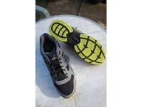 New - EVERLAST Sports Trainers size 10 UK / 44.5 EU + 3 pairs of (new) sports socks
