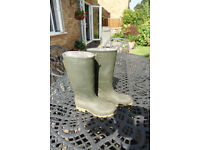 2 PAIRS OF GREEN WELLIES WELLINGTON BOOTS - Both Size 7 (41) - TWO PAIRS !
