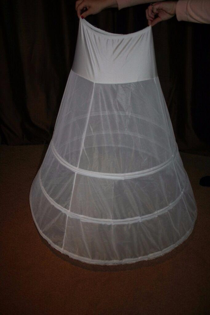 Wedding Dress Hoopin Torquay, DevonGumtree - Wedding Dress Hoop Size between 10 16 approx An absolute must under any wedding dress to make it easier to walk in