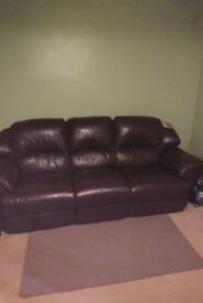 Dark brown electric reclining 3 seater sofa - in great condition
