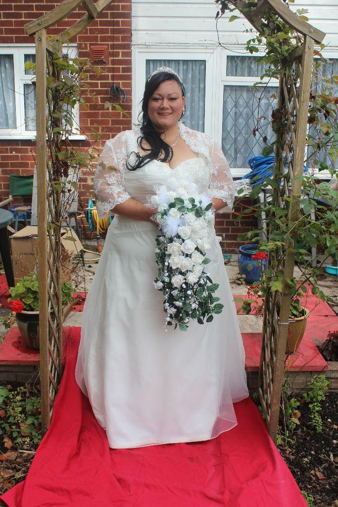 beautiful ivory plus size slimming wedding dress includes lace ...