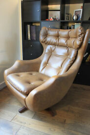 Parker Knoll vintage Statesman chair Mint Condition