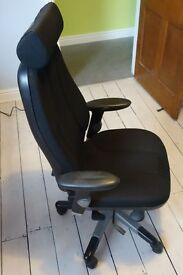 RH 400 CHAIR , HI BACK WITH HEADREST IN BLACK - GOOD CONDITION