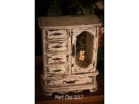 Jewellery box - Armoire style
