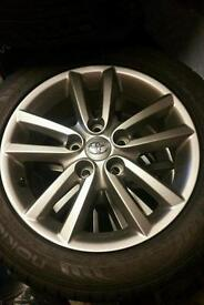 Toyota Auris 2012 alloy wheels 16 inch, m+s tyres good for upcoming season...