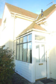 Room to let in fantastic house.Furnished to a very high standard.Close to town centre.