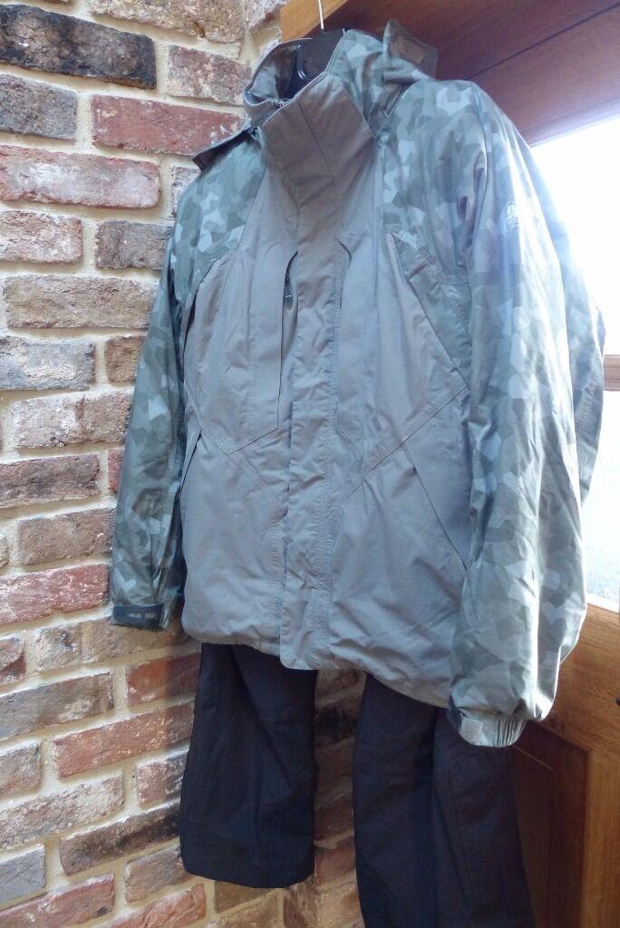 8d9b3e51a9f2 Mens Nike Ski jacket (M) and Gortex sallopettes (34-36 waist)
