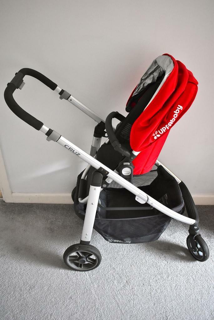 UPPAbaby Cruz 2015 stroller and carrycot in Denny red