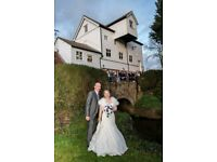Cheap Wedding Photography from £100 (1.5hrs) to £600 (8 hours)