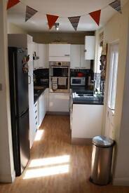 *Prime West Bridgford* 2 bed, semi detached house for rent, part furnished £795