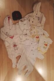 Up to 1mth unisex baby bundle of clothes