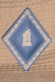 Vintage Wedgwood Blue and White Trinket Dish / Pin Dish, approx size 5.5 inches x 4.5 inches, Histon