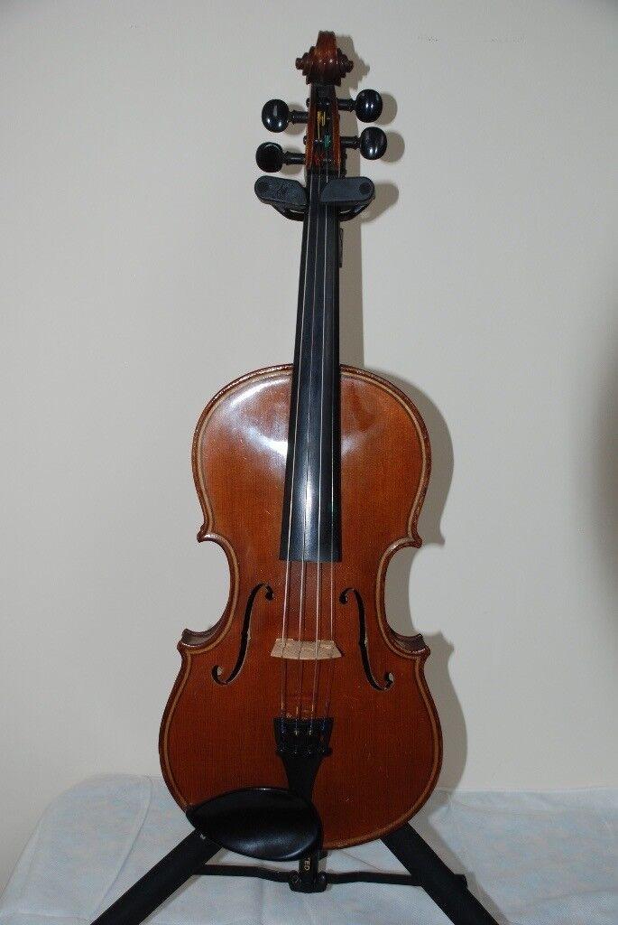 Maginni Violin