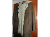 Ladies sheepskin coat - approx size 16 - made by Roberts of Worcester - very good condition