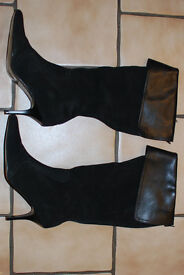 BLACK LADIES BOOTS SIZE 6 FAUX SUEDE BRAND NEW