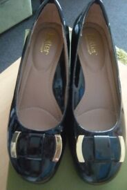HOTTER SHOES / SIZE 6