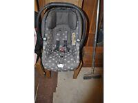 Mama and Papa baby car seat