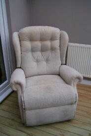 SHERBOURNE LYNTON ROYALE DUAL MOTOR RISER RECLINER ARMCHAIR - SAND / CREAM £275 ONO