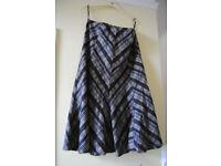 Marks and Spencer black/grey Skirt size 14 (length 76cm)