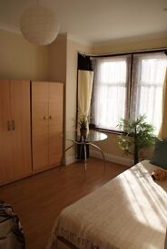 Large double room to let; Upton Park