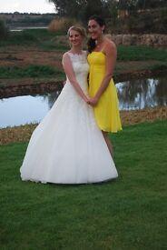Beautiful Justin Alexander wedding dress for sale plus yellow bridesmaids dress