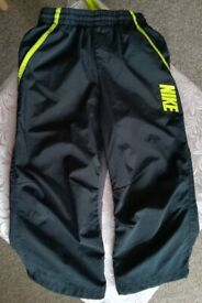 Shorts black elongated Size M for a boy 10-12 years old height 137-147 cm NIKE used excellent con