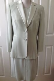LADIES HOUSE OF FRASER OCCASION WEDDING MOTHER OF BRIDE LIGHT GREEN SUIT - DRESS and JACKET