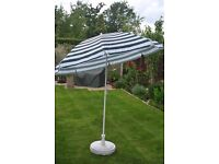 Parasol (tilting) for garden or beach with plastic base
