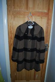 Windsmoor 3/4 coat 74/34 wool/polyester size 16 slighty flared style