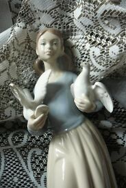 ( Nao ) Girl with doves Figurine Made in Spain Zaphir base makers marks
