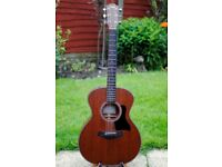 Taylor 324e with hard case