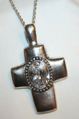 (Shiny Faceted Crystal Oval Silvertone Cross Necklace)