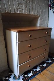 Vintage chest of 4 drawers