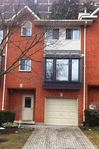 FAMILIES: BEAUTY RENO'D 4 BR TOWNHOME IN GREAT LOCATION - $1600+