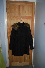 Windsmoor black quilted shower proof coat medium size 14-16