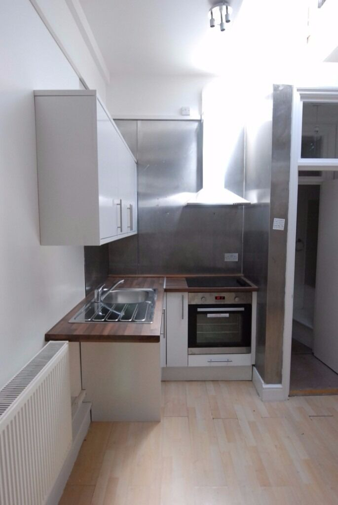 modern studio available on Caledonian road