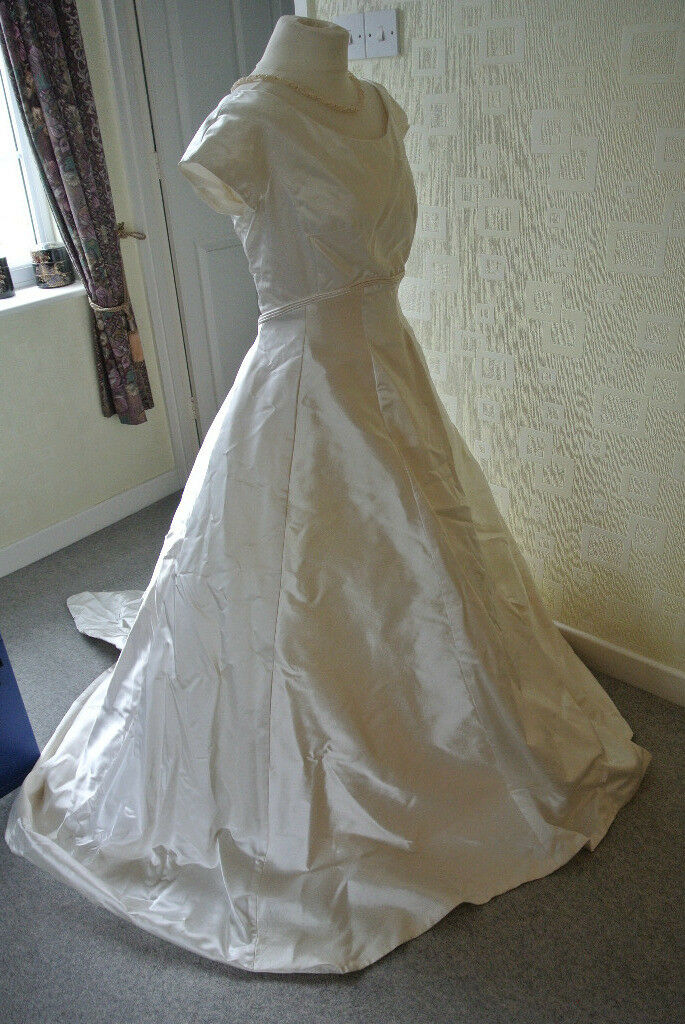 Designer Silk Wedding Dress from Harrods by Caroline Parkes with ...
