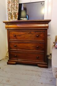 Beautiful mahogany chest of drawers , victorian (delivery)