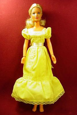 LOVELY VINTAGE 1970s KENNER DARCI DOLL IN YELLOW GOWN