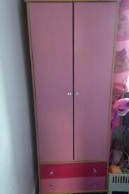 Wardrobe £15 Ono