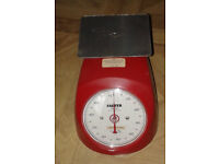 3 kitchen scales (mechanical) - 5£ for 3 or 2£ each