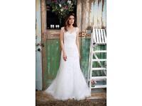 Stunning Amanda wyatt wedding dress never been worn