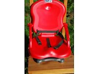 Red foldable high-chair/booster seat
