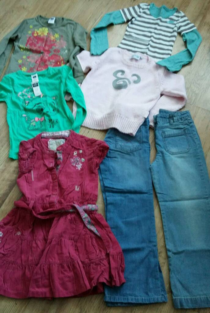 Girls clothes Disney, Nike & Next ages 7-9