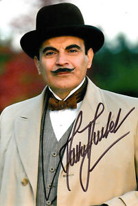 DAVID SUCHET SIGNED SMALL POIROT PHOTO UACC REG 242